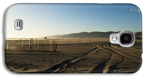 Abstract Landscape Pyrography Galaxy S4 Cases - Mark in the Sand - Santa Monica Beach Galaxy S4 Case by Oscar Karlsson