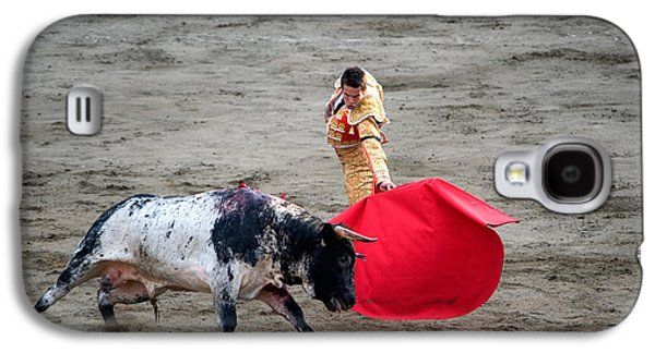 Young Man Photographs Galaxy S4 Cases - Matador And A Bull In A Bullring, Lima Galaxy S4 Case by Panoramic Images