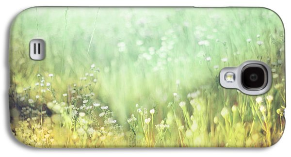 Abstract Landscape Photographs Galaxy S4 Cases - Meadowland Galaxy S4 Case by Amy Tyler