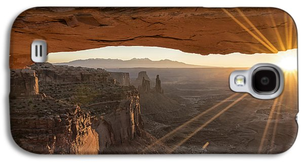 Glow Photographs Galaxy S4 Cases - Mesa Arch Sunrise 4 - Canyonlands National Park - Moab Utah Galaxy S4 Case by Brian Harig