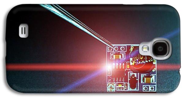 Microchip On Printed Circuit Board Galaxy S4 Case by Wladimir Bulgar
