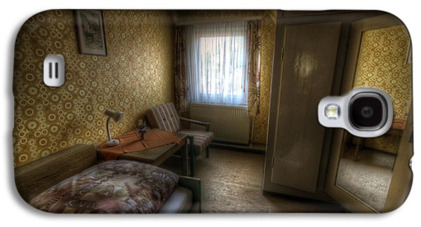 Haunted House Digital Galaxy S4 Cases - Mirror room Galaxy S4 Case by Nathan Wright