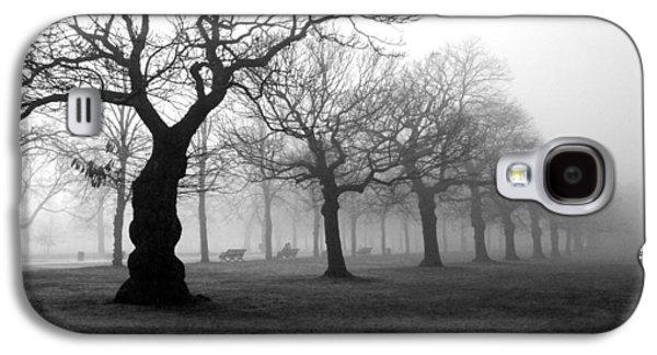 Mist Galaxy S4 Cases - Mist in the park Galaxy S4 Case by Mark Rogan
