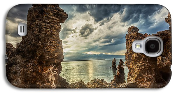California Tourist Spots Galaxy S4 Cases - Mono Lake View Galaxy S4 Case by Jerome Obille