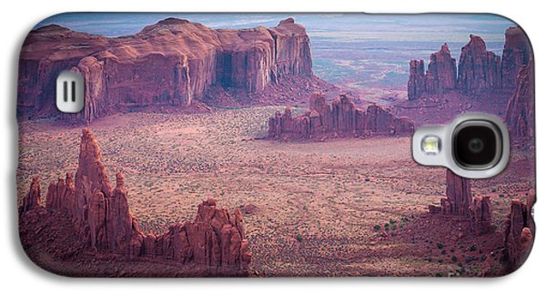 Landscapes Photographs Galaxy S4 Cases - Monument Valley from Hunts Mesa Galaxy S4 Case by Inge Johnsson