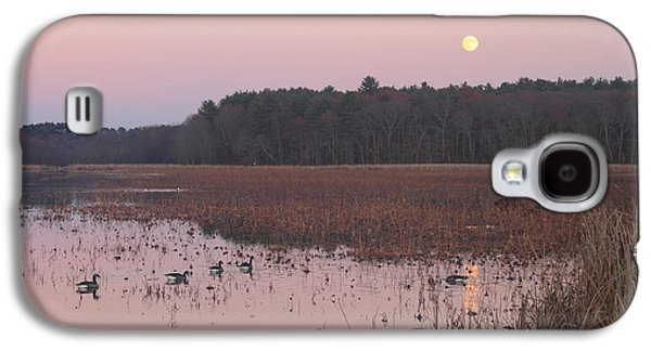 Moonrise Over Waterfowl Pond Galaxy S4 Case by John Burk