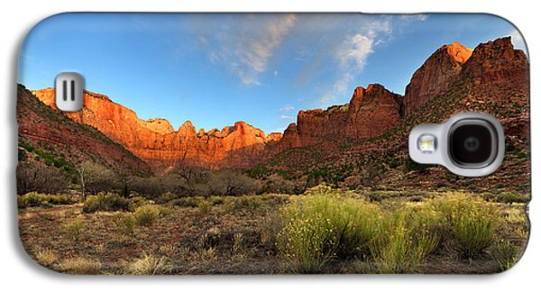 Red Rock Photographs Galaxy S4 Cases - Morning Above Virgin Galaxy S4 Case by Chad Dutson