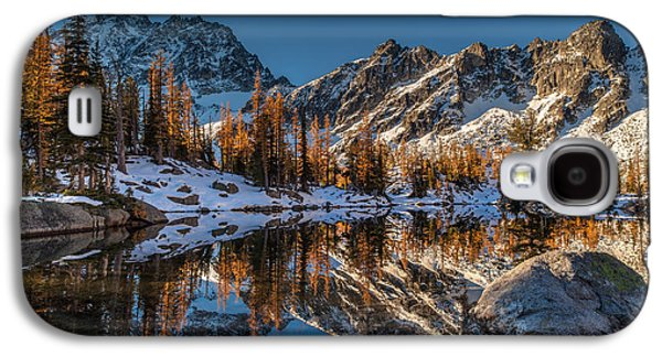 Snow Landscape Galaxy S4 Cases - Morning at Horseshoe Lake Galaxy S4 Case by Mike Reid