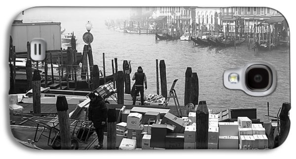 Artist Working Photo Photographs Galaxy S4 Cases - Morning Delivery in Venice Galaxy S4 Case by John Rizzuto