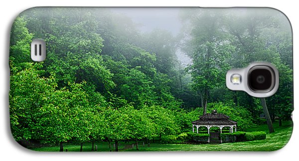 Beauty Mark Photographs Galaxy S4 Cases - Morning In The Park Galaxy S4 Case by Mark Miller