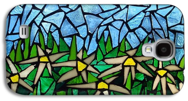 Landscapes Glass Art Galaxy S4 Cases - Mosaic glass-Daisies Galaxy S4 Case by Liesbeth Craig