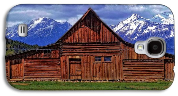 Barns In Snow Galaxy S4 Cases - Moulton Barn In Spring Galaxy S4 Case by Dan Sproul