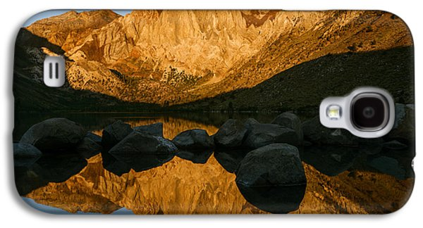 Reflections Of Sun In Water Galaxy S4 Cases - Mount Morrison Convict lake morning Galaxy S4 Case by Vishwanath Bhat