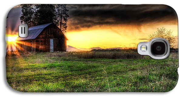 Barn Yard Galaxy S4 Cases - Mountain Sun behind Barn Galaxy S4 Case by Derek Haller