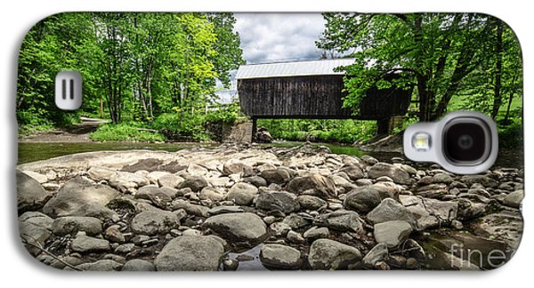 White River Galaxy S4 Cases - Moxley Covered Bridge Chelsea Vermont Galaxy S4 Case by Edward Fielding