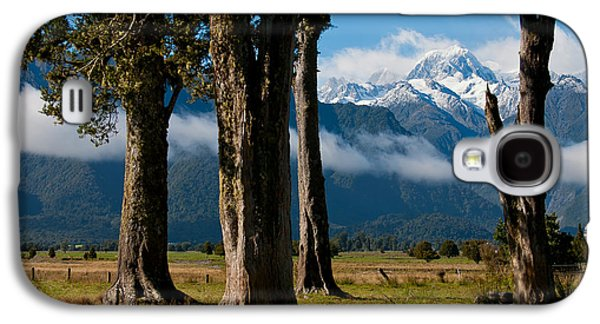 Aotearoa Galaxy S4 Cases - Mt Cook through trees Galaxy S4 Case by Jenny Setchell