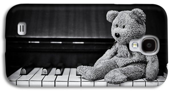 Keyboards Photographs Galaxy S4 Cases - Musical Bear Galaxy S4 Case by Tim Gainey