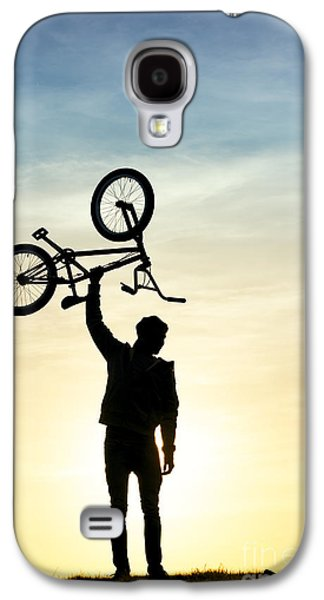 Young Man Photographs Galaxy S4 Cases - BMX Biking Galaxy S4 Case by Tim Gainey