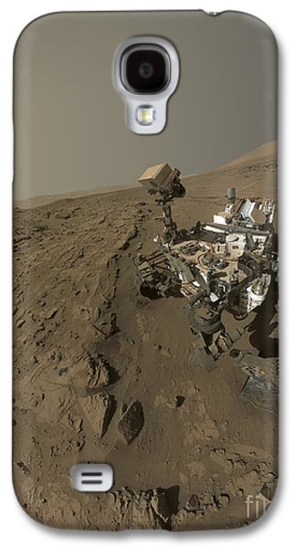 Self Discovery Galaxy S4 Cases - Nasas Curiosity Mars Rover On Planet Galaxy S4 Case by Stocktrek Images