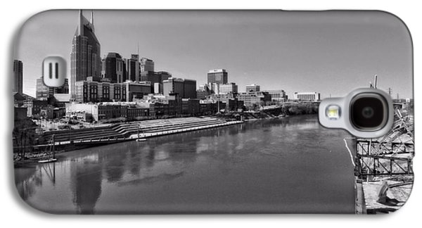 Nashville Skyline In Black And White At Day Galaxy S4 Case by Dan Sproul
