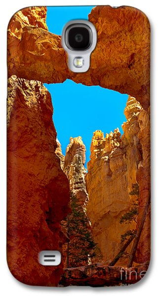 Haybale Galaxy S4 Cases - Natural Bridge Bryce Galaxy S4 Case by Robert Bales