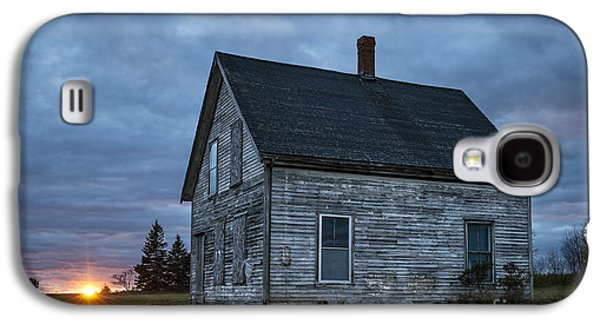 Old Maine Houses Galaxy S4 Cases - New Day Old House Galaxy S4 Case by John Greim