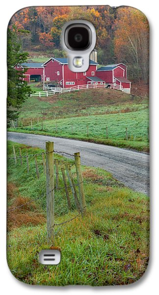 Old Country Roads Photographs Galaxy S4 Cases - New England Farm Galaxy S4 Case by Bill  Wakeley