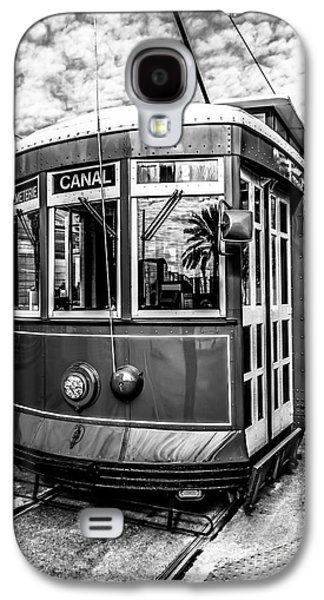 Louisiana Photographs Galaxy S4 Cases - New Orleans Streetcar Black and White Picture Galaxy S4 Case by Paul Velgos