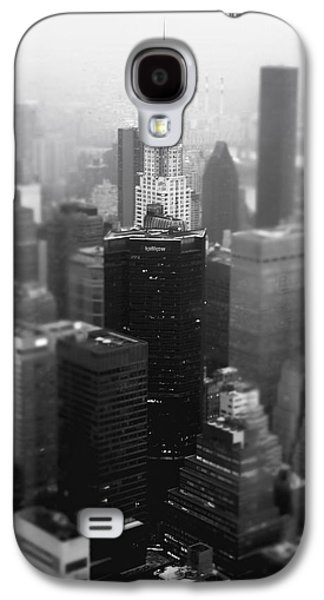 New York City - Fog And The Chrysler Building Galaxy S4 Case by Vivienne Gucwa