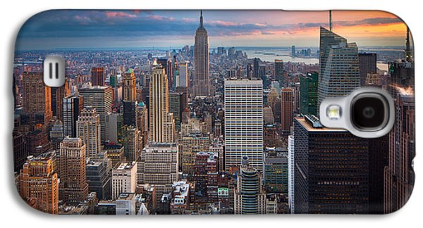 Light Photographs Galaxy S4 Cases - New York New York Galaxy S4 Case by Inge Johnsson