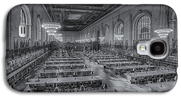 The New York New York Galaxy S4 Cases - New York Public Library Rose Room bw Galaxy S4 Case by Susan Candelario