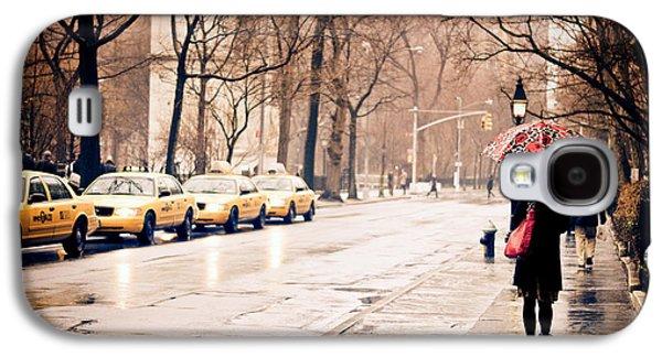 Manhattan Street Galaxy S4 Cases - New York Rain - Greenwich Village Galaxy S4 Case by Vivienne Gucwa