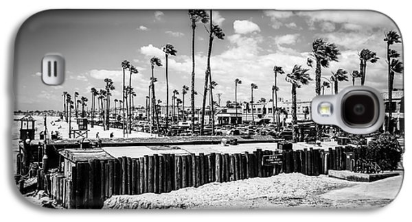 Newport Beach Dory Fishing Fleet Black And White Picture Galaxy S4 Case by Paul Velgos