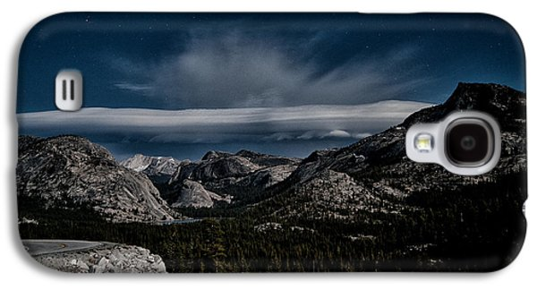 Mountain Road Galaxy S4 Cases - Night at Olmstead Point Galaxy S4 Case by Cat Connor