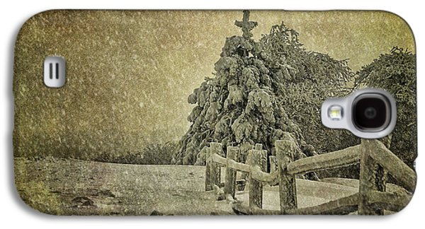 Trees In Snow Galaxy S4 Cases - Oh Christmas Tree In Snow Galaxy S4 Case by Lois Bryan