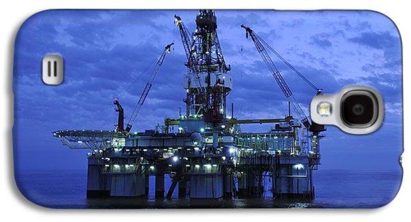 Ocean Art Photos Galaxy S4 Cases - Oil Rig At Twilight Galaxy S4 Case by Bradford Martin