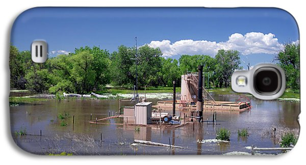 Oil Well Flooded By River Galaxy S4 Case by Jim West