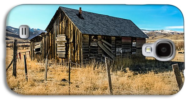 Haybale Photographs Galaxy S4 Cases - Old and Forgotten Galaxy S4 Case by Robert Bales
