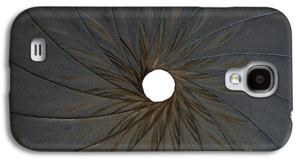 Aperture Photographs Galaxy S4 Cases - Old Aperture Galaxy S4 Case by Michal Boubin