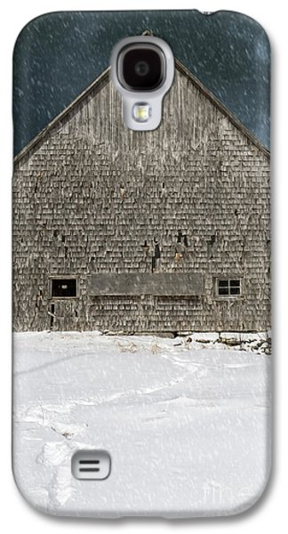 Old Barn Galaxy S4 Cases - Old barn in a snow storm Galaxy S4 Case by Edward Fielding