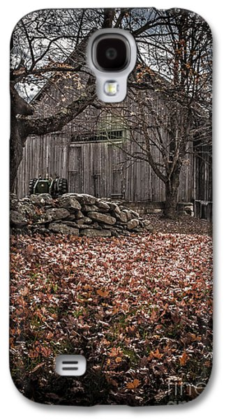 Creepy Galaxy S4 Cases - Old barn in Autumn Galaxy S4 Case by Edward Fielding