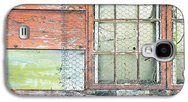 Shed Galaxy S4 Cases - Old barn window Galaxy S4 Case by Tom Gowanlock