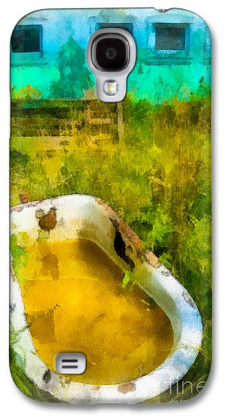 Nature Center Galaxy S4 Cases - Old Bathtub Near Painted Barn Galaxy S4 Case by Amy Cicconi