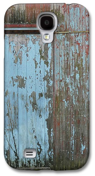 Surtex Licensing Galaxy S4 Cases - Old Blue Barn Peeling Chipping Paint Galaxy S4 Case by Anahi DeCanio - ArtyZen Studios