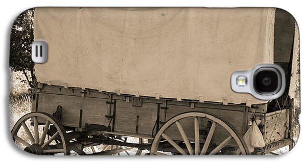 Wooden Wagons Galaxy S4 Cases - Old Covered Wagon Out West Galaxy S4 Case by Dan Sproul