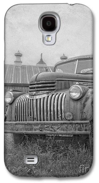 Farm Truck Galaxy S4 Cases - Old farm truck out by the barn Galaxy S4 Case by Edward Fielding