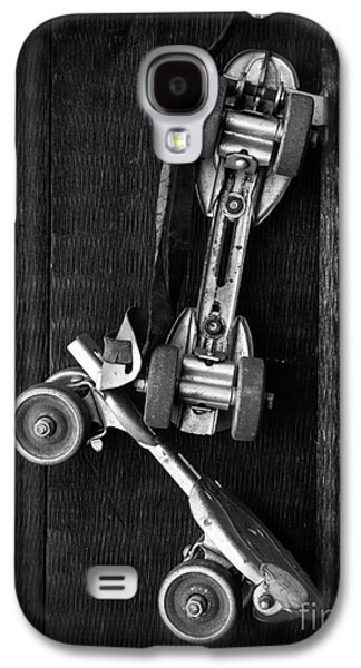 Antique Skates Galaxy S4 Cases - Old Friends Galaxy S4 Case by Edward Fielding