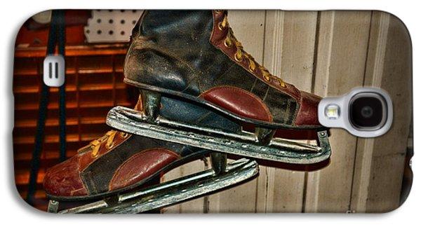 Antique Skates Galaxy S4 Cases - Old Hockey Skates Galaxy S4 Case by Paul Ward