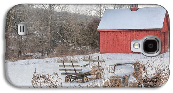 Red Barn In Winter Photographs Galaxy S4 Cases - Old New England Galaxy S4 Case by Bill Wakeley
