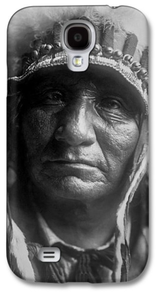 1907 Galaxy S4 Cases - Old Oglala Man circa 1907 Galaxy S4 Case by Aged Pixel